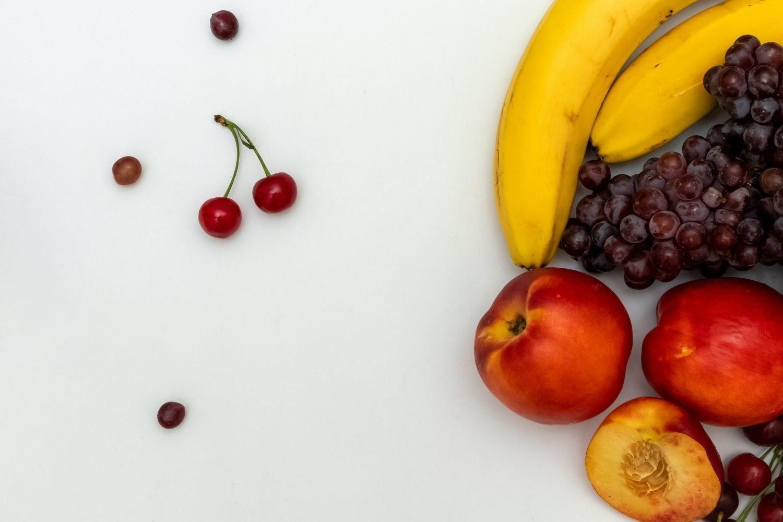 Coupelles et fruits en morceaux Bio